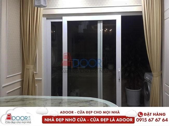 Mẫu cửa kính cường lực làm cửa thông tại các phòng trong gia đình