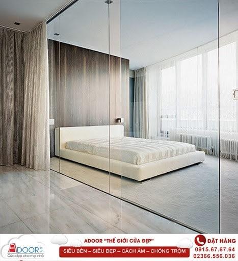 Mẫu cửa kính cường lực tại không gian phòng ngủ