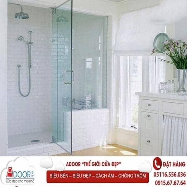 Mẫu cửa kính cường lực đẹp tại các phòng tắm