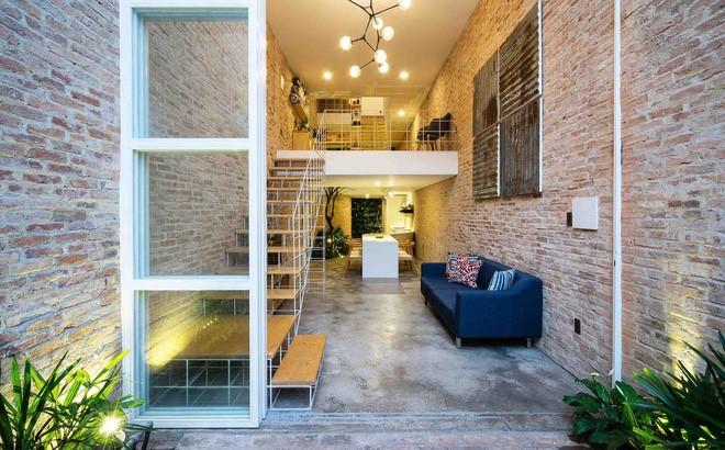 Thiết kế sang trọng cho không gian nhà bạn với cửa kính cường lực