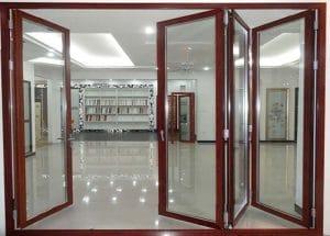 Cửa kính cường lực bằng khung sắt đa dạng tại Adoor