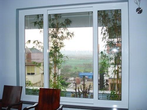 Mẫu vách kính tại các cánh cửa sổ