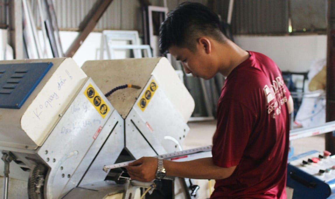 Làm cửa kéo nhôm tại Adoor cho sản phẩm chất lượng