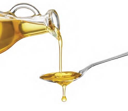Mẹo hay tẩy vết keo dính cứng đầu bằng dầu ăn nhanh chóng