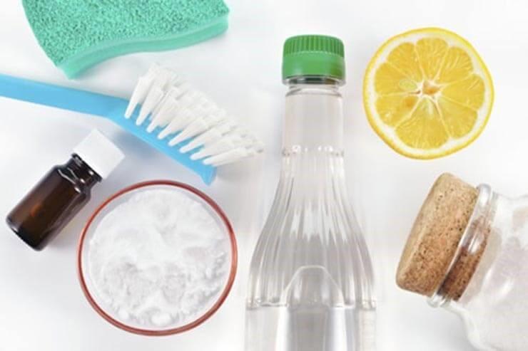 Mẹo nhanh cho bạn khi sử dụng giấm ăn lau sạch cửa kính