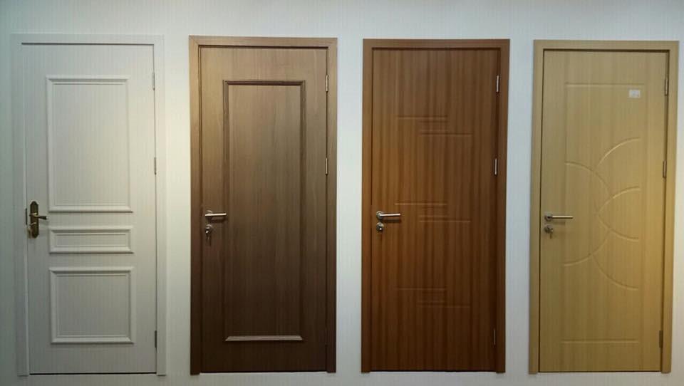 Mẫu cửa nhựa giả gỗ mang phong cách vừa hiện đại cổ điển cho không gian của bạn