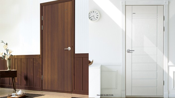 Mẫu cửa đi 1 cánh nhựa lõi thép giả vân gỗ tại nhà ở